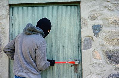 Proteger tu vivienda en vacaciones de los ladrones