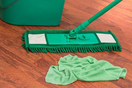 Limpiar suelo de parquet